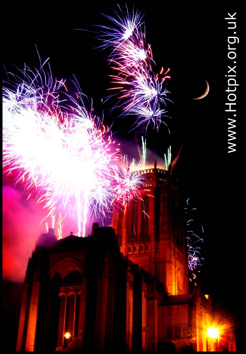 Liverpool,mersey,night,nights,shot,long,exposure,tony,smith,hotpix,tonysmith,tonysmithhotpix,light,stream,bonfire,rocket,rockets,#tonysmithotpix