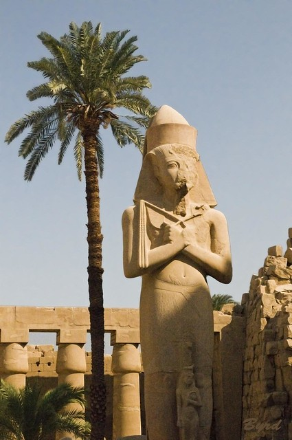 Giant statue of Ramses II (the Great)