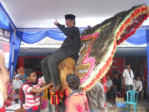 Prof. Hamka Haq didaulat naik Reog | by hamkahaq