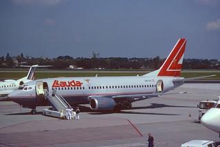 136as - Lauda Air Boeing 737-300; OE-ILF@PRG;05.07.2001