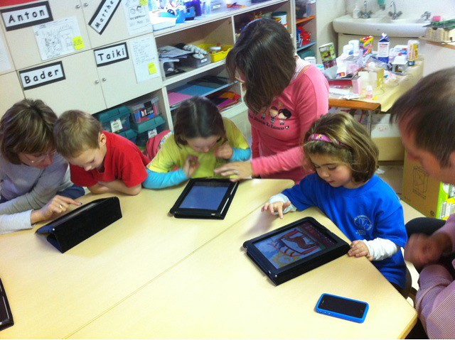 Blog & iPad launching launching party in @pagezoe's class …   Flickr