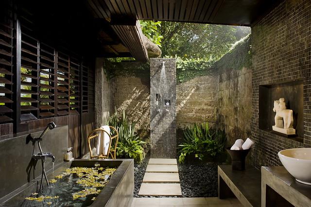 Atas Ombak Villa - Ocean Bathroom Two