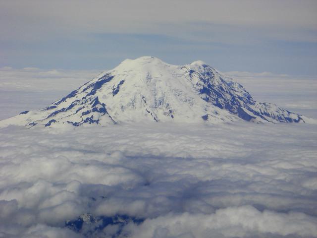 Mt Ranier aerial