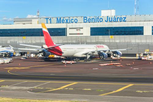 Iberia A346 (MEX)   by ruifo
