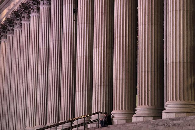 monumental solitude    3403