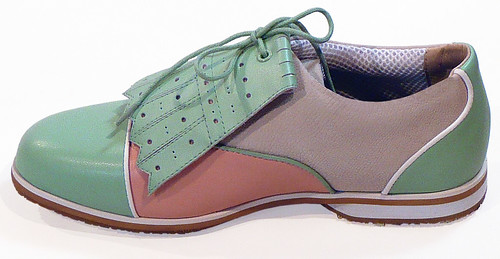 womens-detachable-kilties-leather-golf-shoes-cleats-equipt-for-play