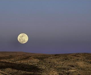 moonrise | by josef.stuefer