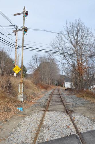 railroad turn lights traintracks tracks plymouth bm rails signal blades semaphore railroadtracks bostonandmaine nhnewhampshirenewenglanddecember