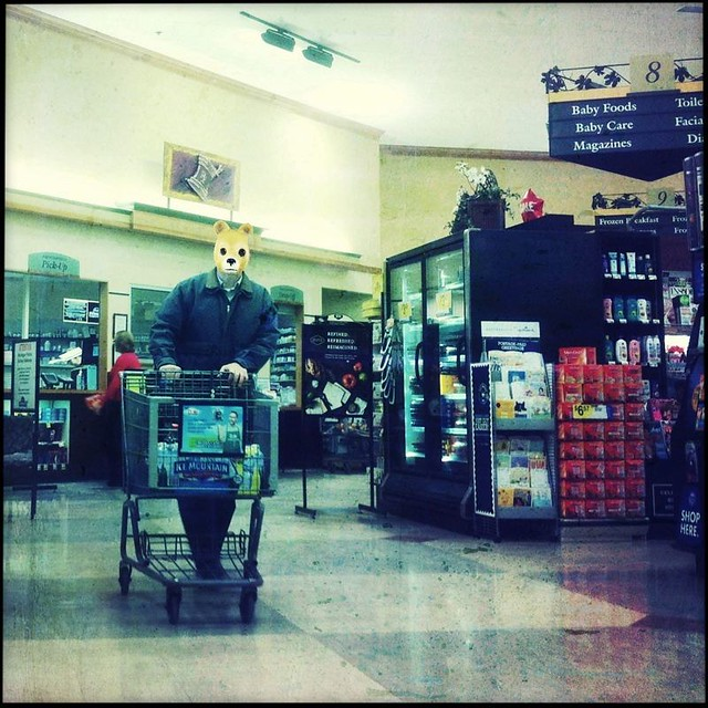 Bear-man shopping