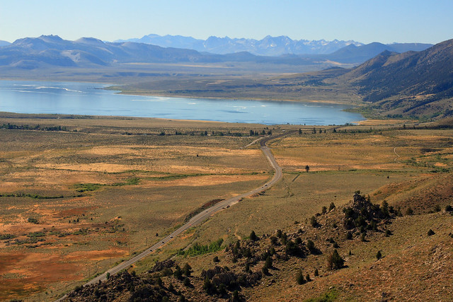 Approaching Mono Lake from the north