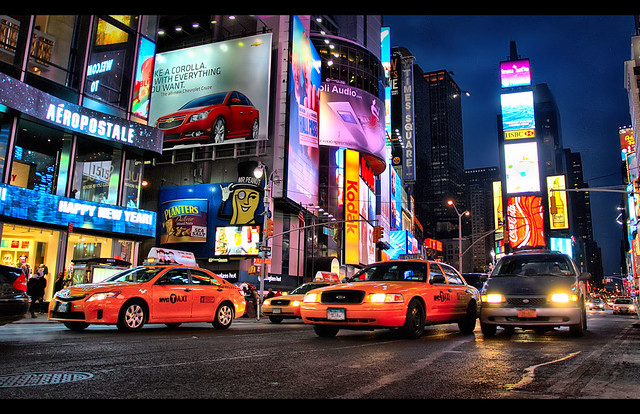 Timesquare_taxis_singleHDR