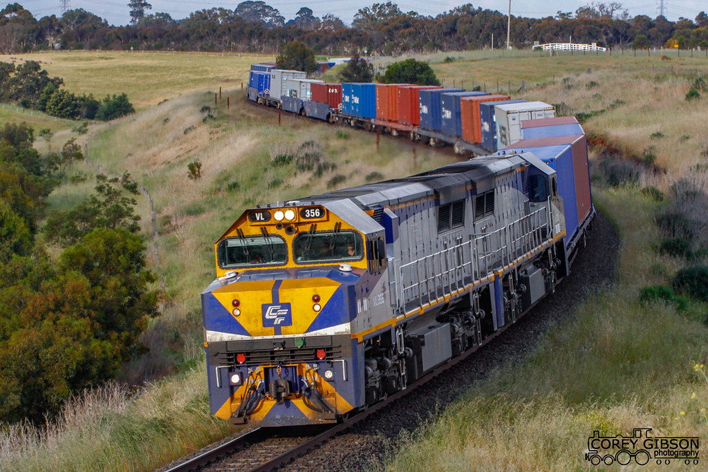 VL356 with a Melbourne to Adelaide Freight by Corey Gibson