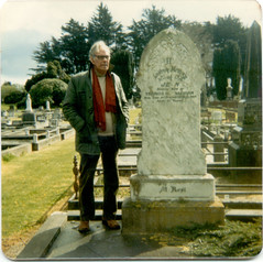 Billy/Frank Mulligan with his mother's headstone, Invercargill