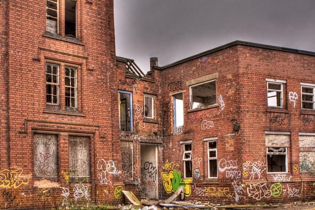 Urban decay & graffiti - tonemapped