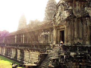 2011.03.11 - Angkor Wat | by Chasing Donguri