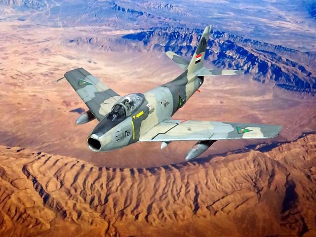1:72 North American F-86F-30 'Sabre'; aircraft '251' (ex USAF BuNo 55-7251) of the No. 4 Squadron, Royal Iraqi Air Force (RIrAF, القوة الجوية العراقية الملكية); Habbaniya AB, early 1958 (Whif/SPINNERS tribute/Hobby Boss kit)