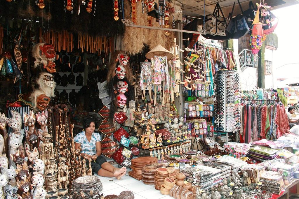 Busy Ubud market