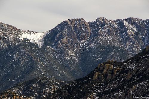 uploadedviaflickrqcom snow desert mountains peaks santaritamountains elephanthead tucson arizona canonrebelt4i winter skyislands unitedstates america usa cold