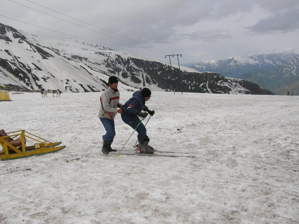 skiing at Rohtang pass