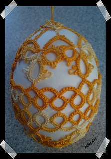 Goose-egg with tatting