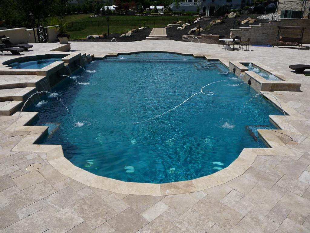 Custom Roman style swimming pool and spa | Custom roman pool ...