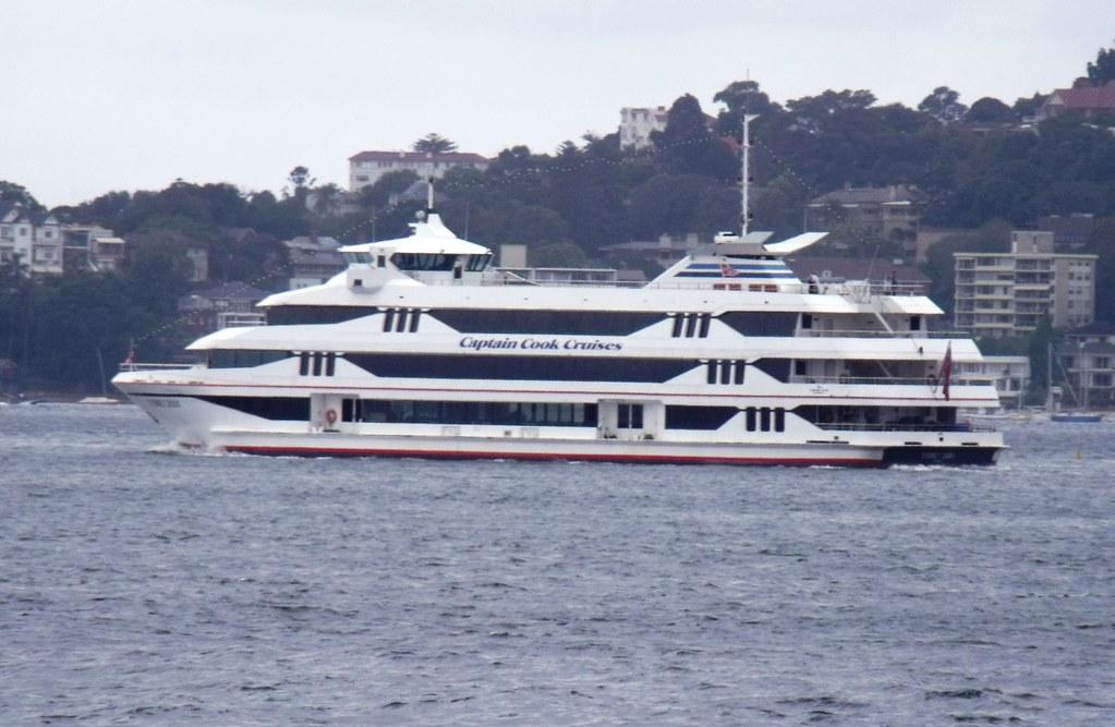 Captain Cook Cruises Sydney 2000