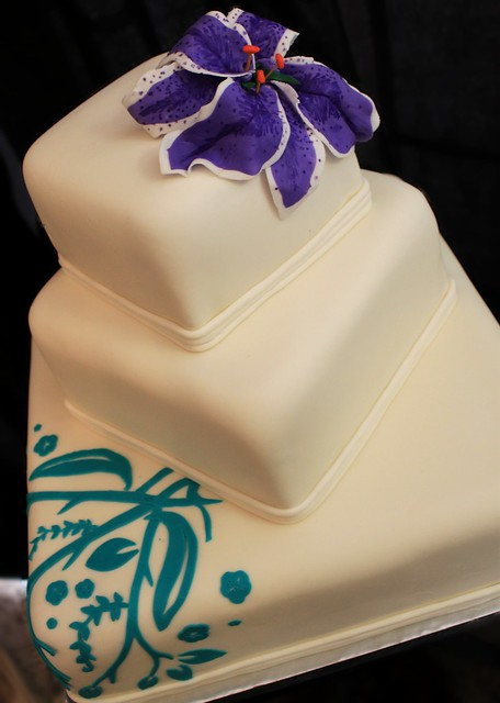 Purple lily wedding cake