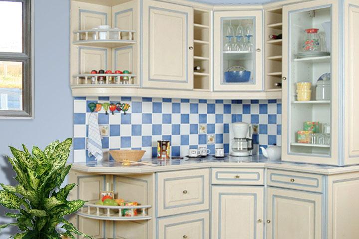 Cuisine Equipee Rustique Modele Traditionnel Rechampie Bleue A