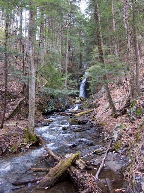 0:17:53 (51%): waterfall vermont hiking fairlee glenfalls glenfallsbrook