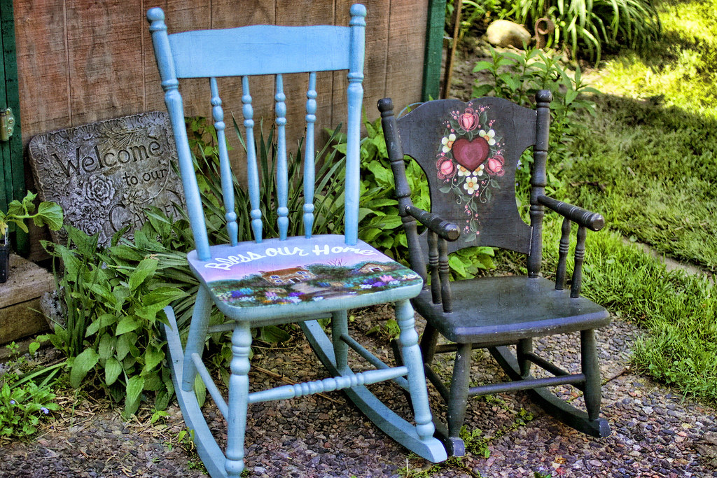 Fabulous Keep On Rocking I Like To Paint Old Rocking Chairs Spiritservingveterans Wood Chair Design Ideas Spiritservingveteransorg