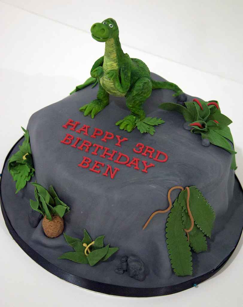 Wondrous Bc4081 T Rex Dinosaur Birthday Cake Toronto Bc4081 An Flickr Personalised Birthday Cards Paralily Jamesorg
