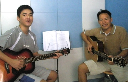 Adult guitar lessons Singapore Samson