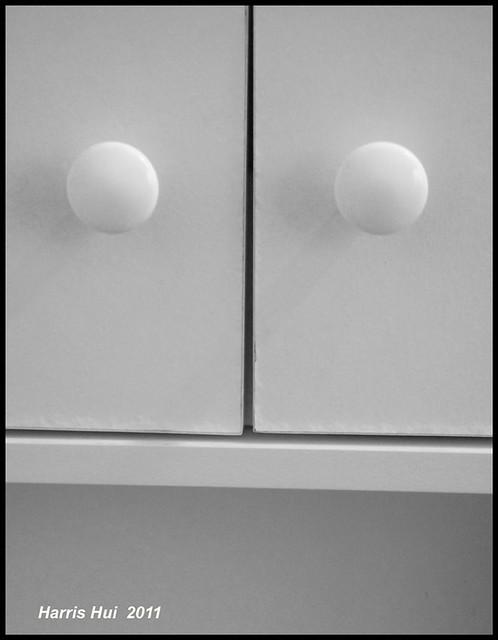 Unhappy Face In My Washroom S0854e