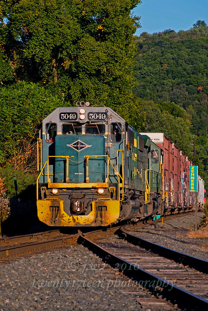 Reading and Northern 5049 @ Zehners, Pa.
