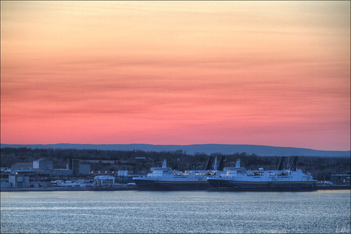 sunset red ferry canon spring novascotia waterfront ns sydney delta 7d usm dslr goodfriday 70200mm 2011 bmca