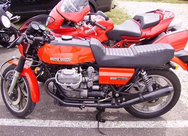 Motos italiennes : Moto Guzzi 850 Le Mans et Ducati Multistrada