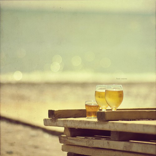 sea summer texture beach water beer tom zeiss vintage turkey square nikon waves bokeh warmth carl format squared fala mediterraneansea textured carré planar słońce quadrat cuadrado zf turcja tejido lato textur d90 morześródziemne tekstura 1485mm weisimel quadrangolo upałów