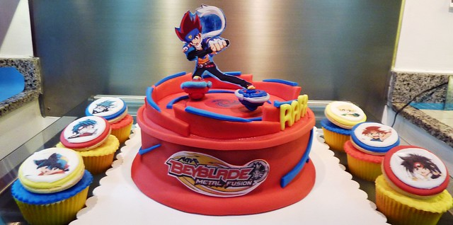 beyblade cake and cupcakes