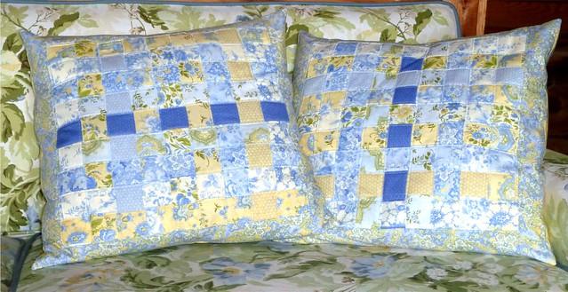 Alice Greer, Sweet n Shabby Woven Pillows