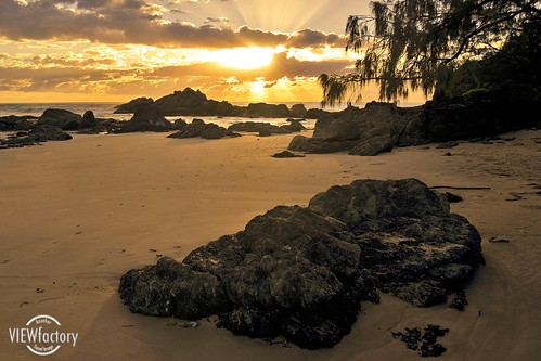 ocean water sunrise nikon surf australia pacificocean coastal newsouthwales portmacquarie headland townbeach pacificsunrise nswnorthcoast d700 davidnaylor
