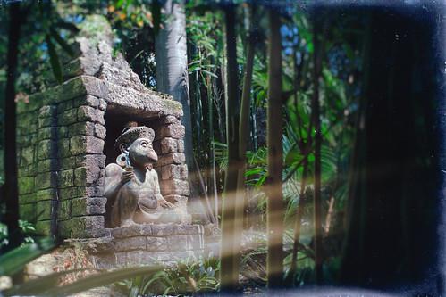 california trees light usa texture statue monkey nikon stones disneyland disney lightleak jungle shade d200 anaheim hdr textured junglecruise disneylandresort hbmike2000 texturaltuesday