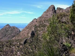 Long Leaning ridge   by flashmick