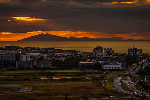 Reykjavik final approach