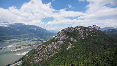 ocean blue trees sky mountain canada green water rock clouds forest bc view britishcolumbia dome granite howesound puffy 169 monolith squamish thechief conifers partlycloudy stawamuschief stawamuschiefprovincialpark panasoniclumix714mmf40 olympusem5 seatoskygondola