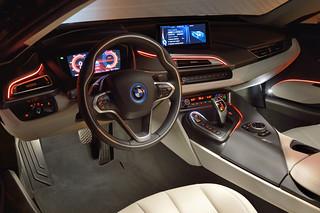 BMW-2014-i8-Int-10