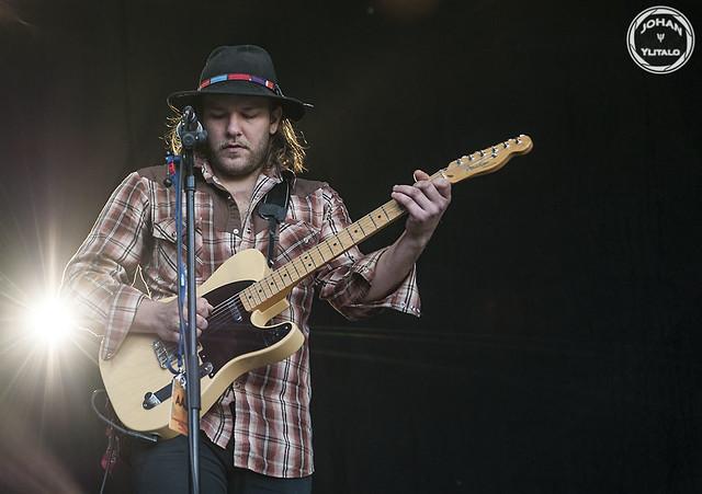 Israel Nash Gripka (3)