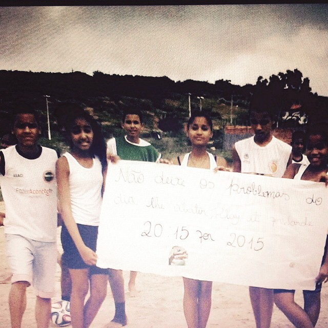 "From #PlayitForward member IFA in Salvador, Brazil. ""Do not let the daily problems bring you down - Play it Forward. 20:15 for 2015"" Best wishes to Sydney, Australia - they start their event today. #2015for2015"