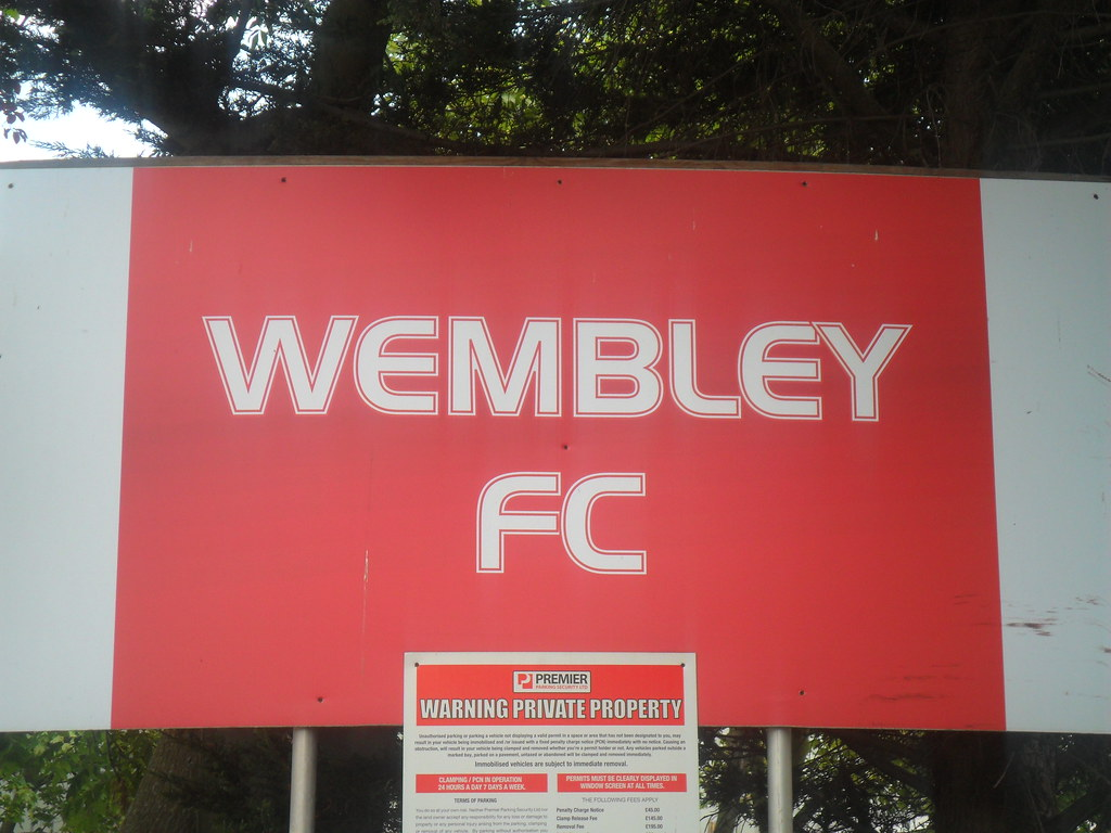 Hendon FC / Wembley FC ground - Vale Farm