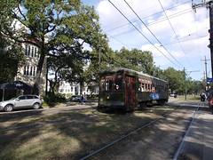 金, 2010-12-03 12:17 - Streetcar, Garden District, New Orleans