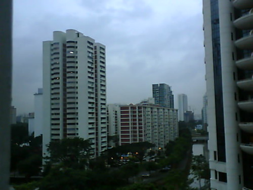 From Internet Camera(singaporeweather.ath.cx:8081)2010/12/27,18:56:21 | by ngotoh